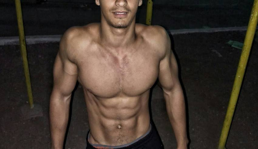 the best way to burn fat and get a 6 pack abs in Arabic the